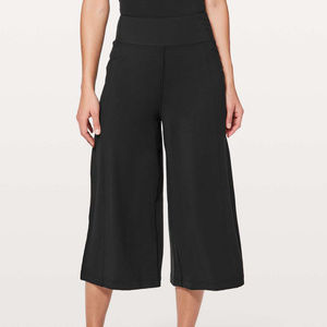 Lululemon Blissed Out Culottes Black 6